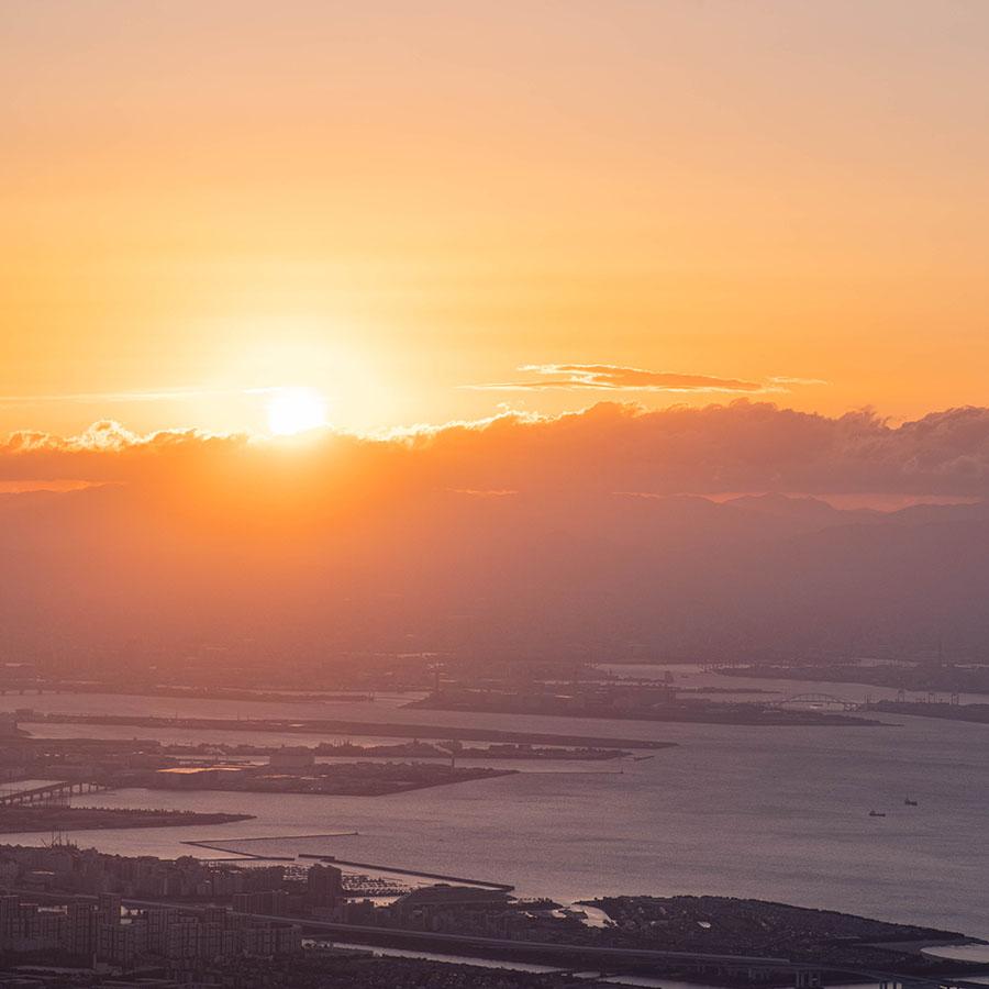 大阪湾越しの初日の出