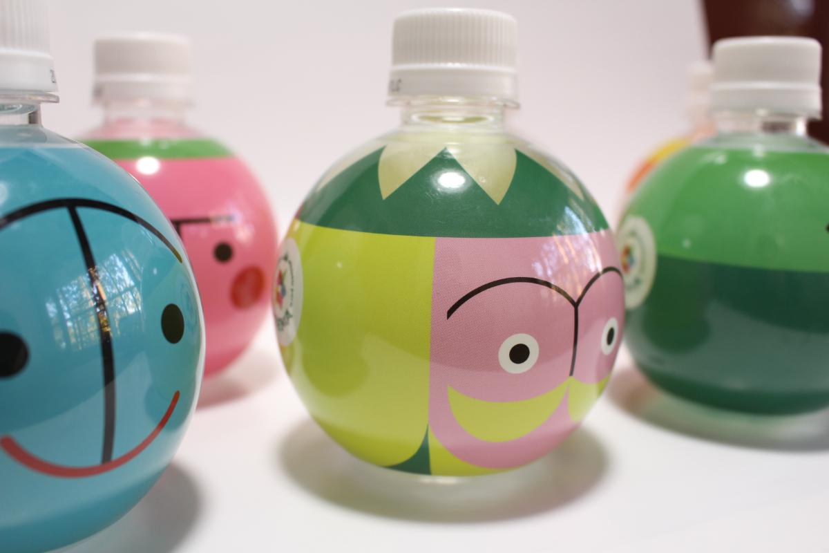 球体ボトルウォーター