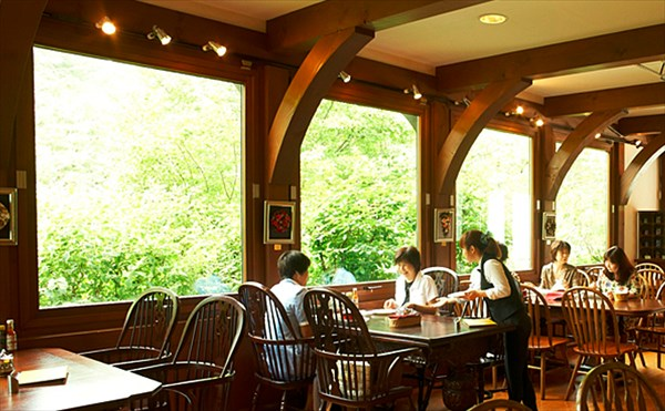 Strauss Cafe