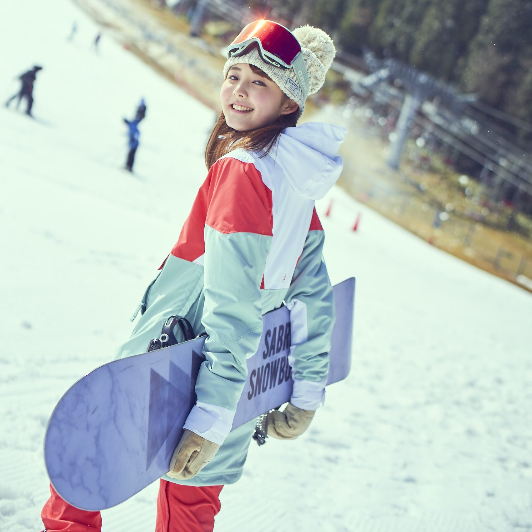 ボードレンタルはすべてBURTON!レンタルスキーにはHartのロッカースキーとSTRICTLYのツインチップスキーを導入(一部)!